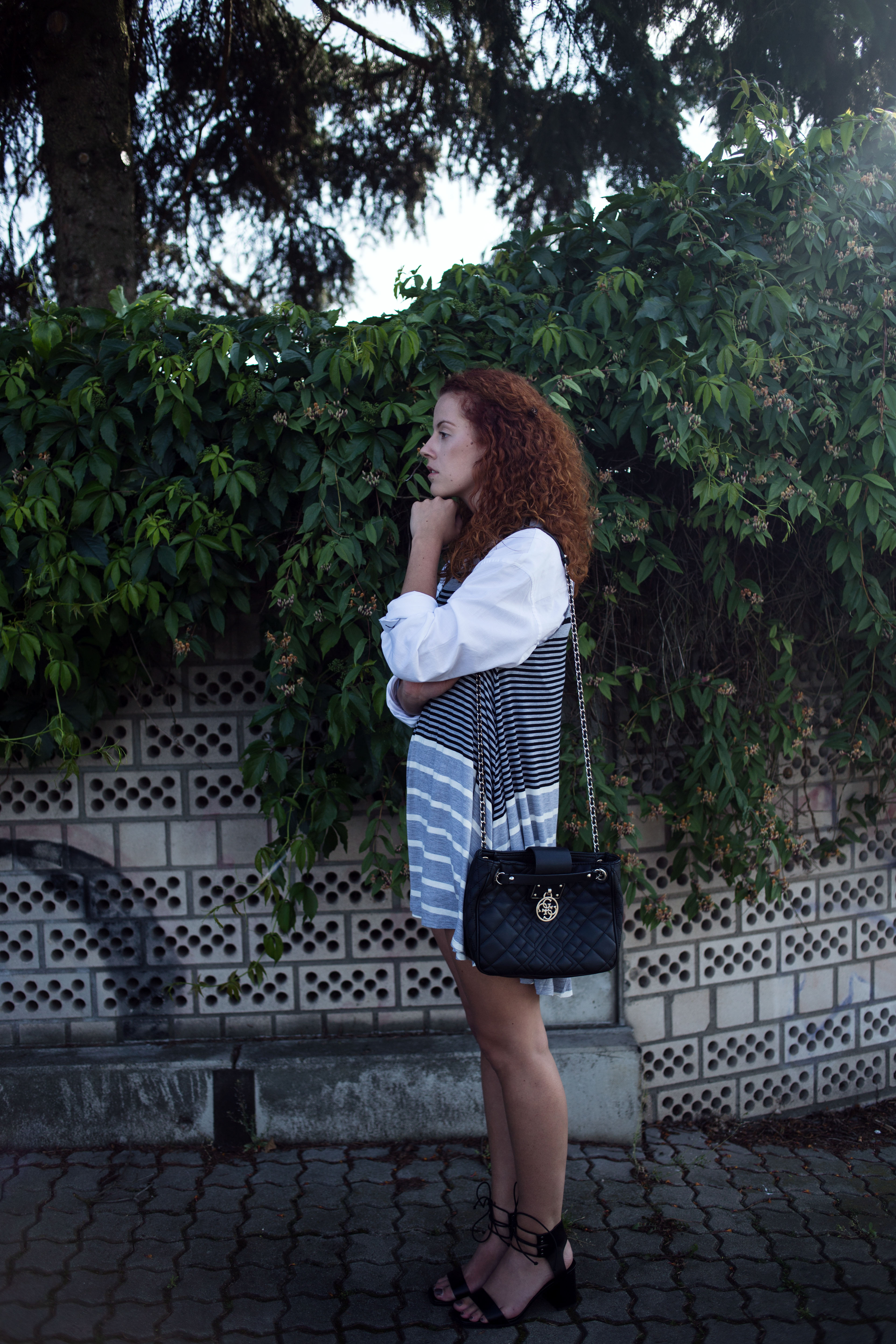 outfit american eagle outfitters striped blouse combination how to style summer dress asos sandalen sandals guess bag ffm frankfurt fashioh blogger modeblog